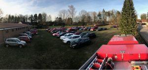 Der Parkplatz füllt sich