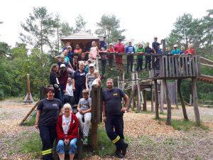 Gruppenfoto vom Abenteuerspielplatz